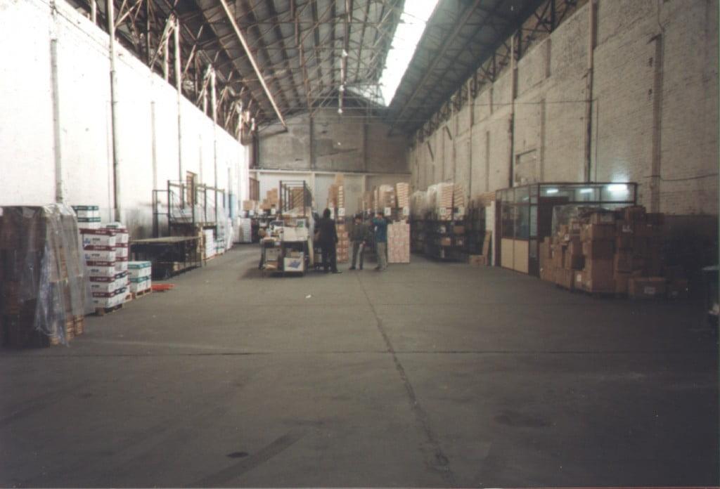 El depósito de Officenet en 1997, el día del lanzamiento
